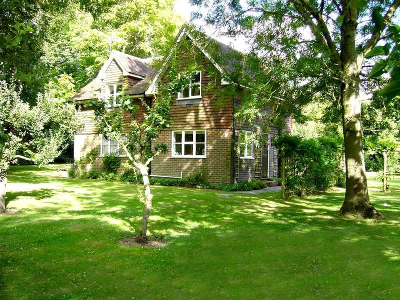 Townhouse Bothy, vacation rental in East Grinstead