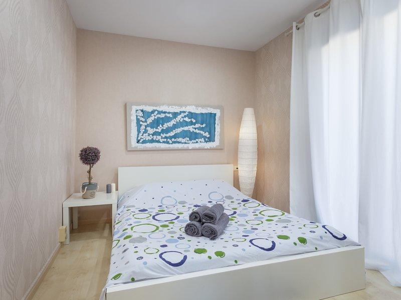 Beach Apartment 40 km Barcelona Arenyslux2, alquiler de vacaciones en Arenys de Mar