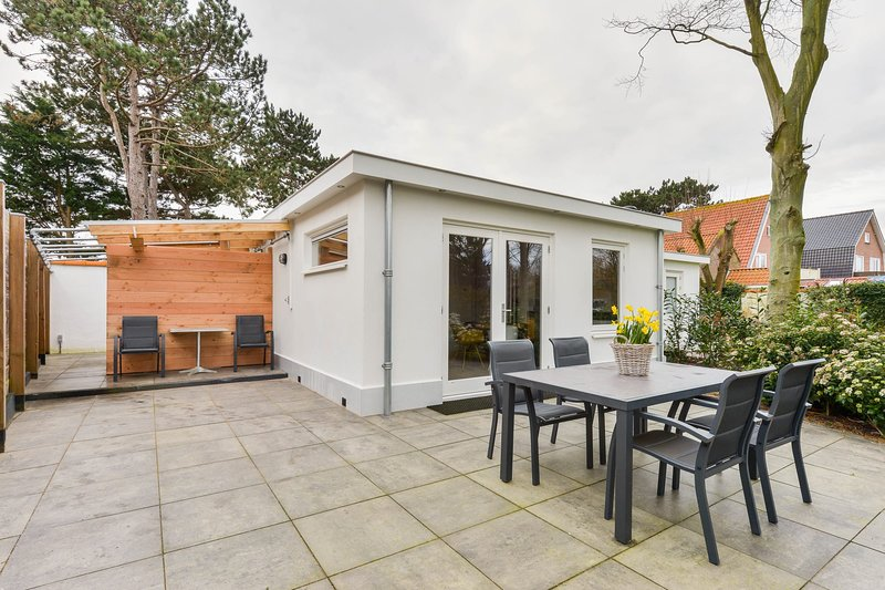 Amsterdam Dunes Holiday Home, holiday rental in Bloemendaal