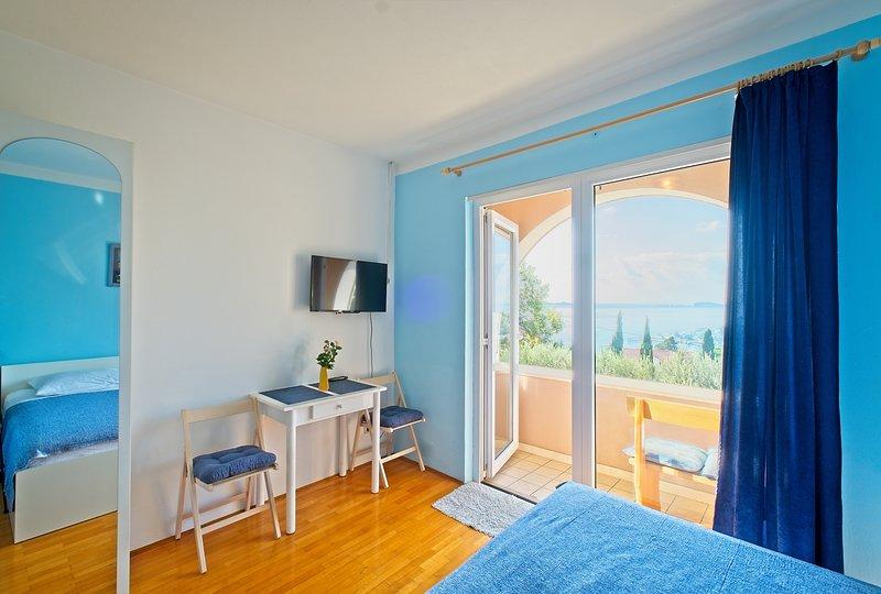Apartments Cvjetković - Studio with Balcony and Sea View (Plavi), holiday rental in Srebreno