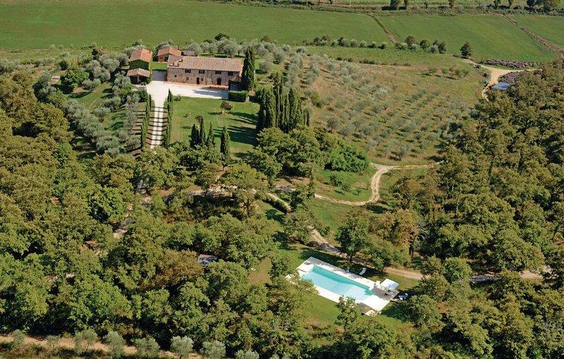 Podere Le Pozze tra verde , stile e suggestioni., vacation rental in Amorosa