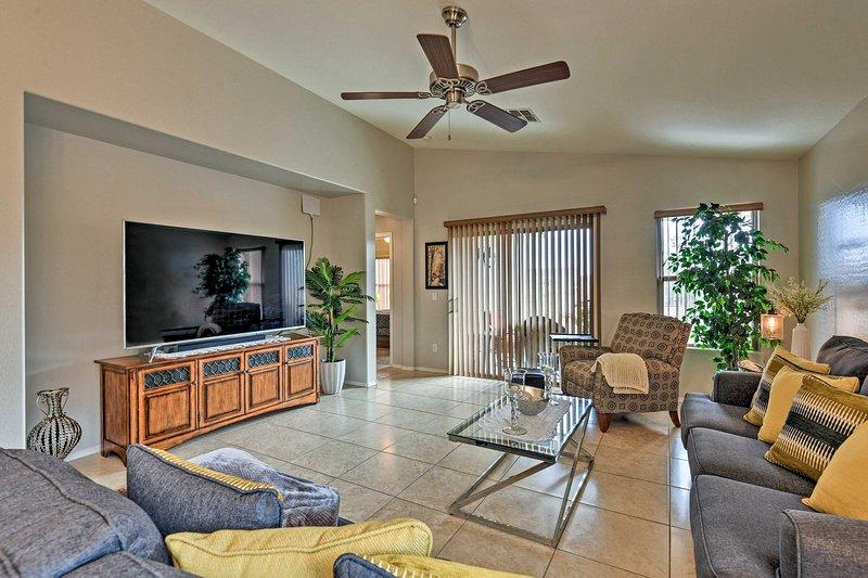NEW! West Phoenix Home: Hike, Dine & Golf Nearby!, holiday rental in Buckeye