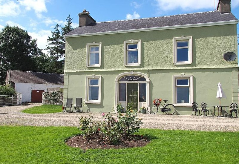 Shannon View Farm House, vacation rental in Tarbert