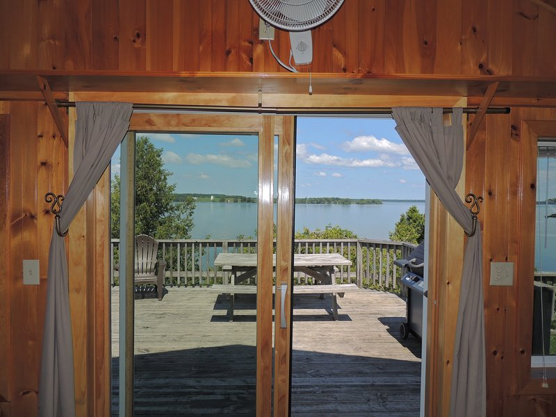Delightful water view 3 bedroom cottage #5, holiday rental in Sackets Harbor