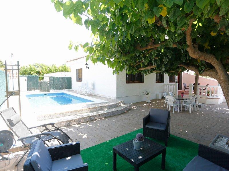 Juan, vacation rental in L'Eucaliptus