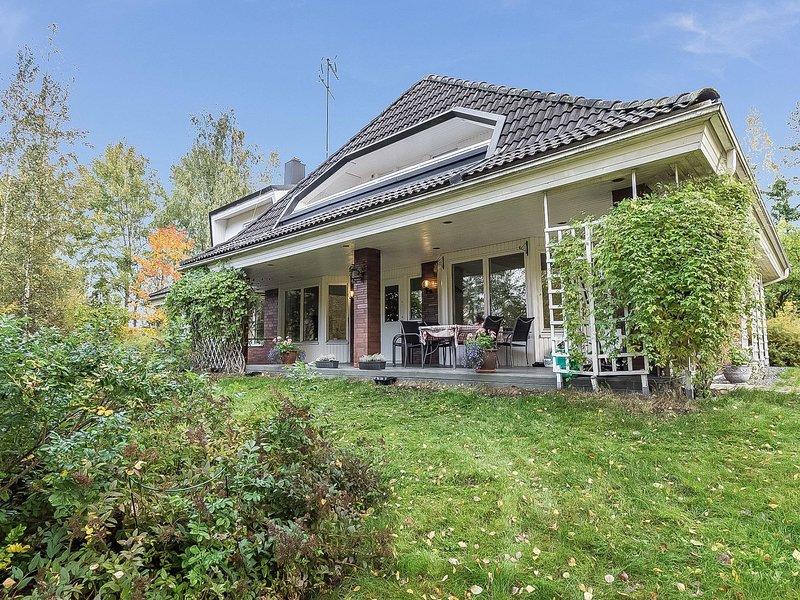 Villa beatrice, vacation rental in Kirkkonummi