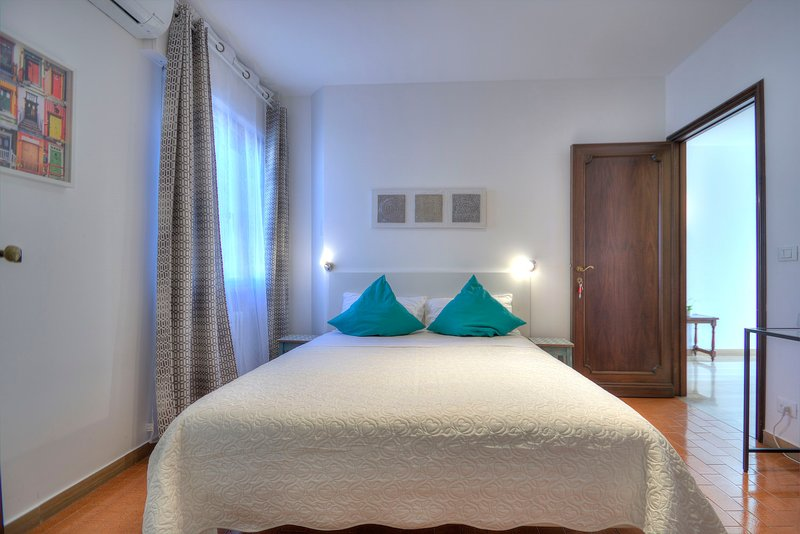 900-1,double bed/bath,wifi/aircond,breakfast facility, holiday rental in Marghera