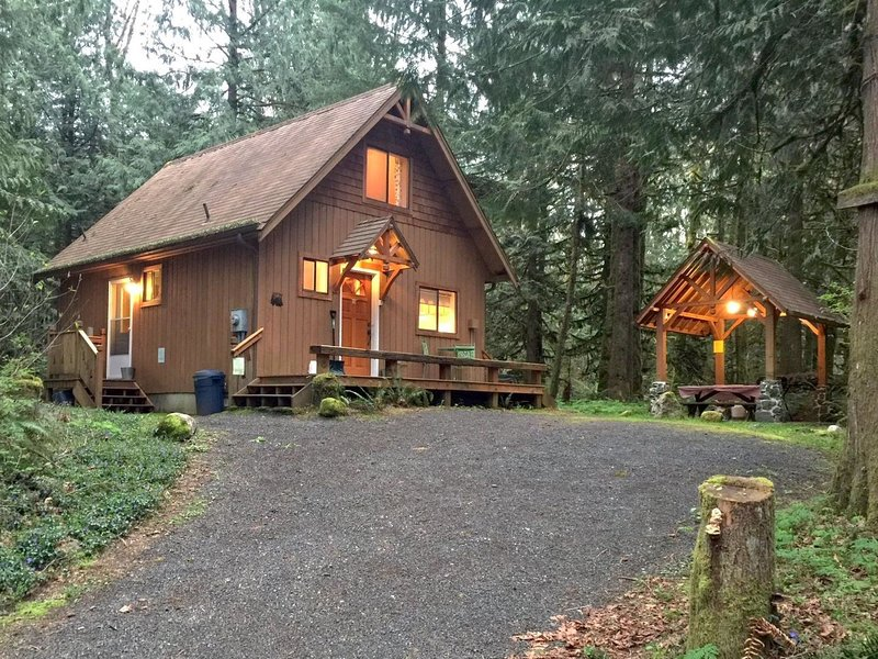 67MF Private Cabin near Silver Lake, holiday rental in Abbotsford