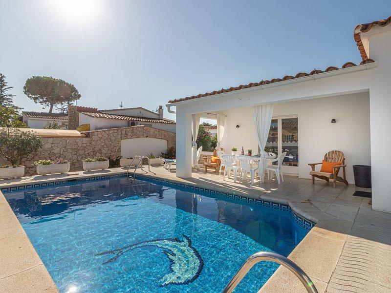 Montgri, holiday rental in Vilacolum