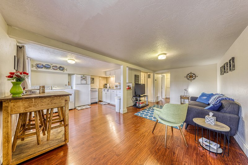 Two stunning homes for a group vacation near downtown!, vacation rental in Fredericksburg