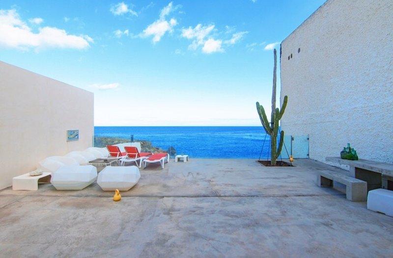 NextDoor Oasis: frente al mar, terraza, piscina natural, holiday rental in Poris de Abona