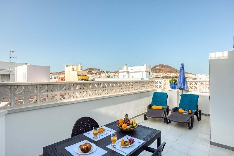Apartment 150 metres from Las Canteras beach, vacation rental in Utiaca