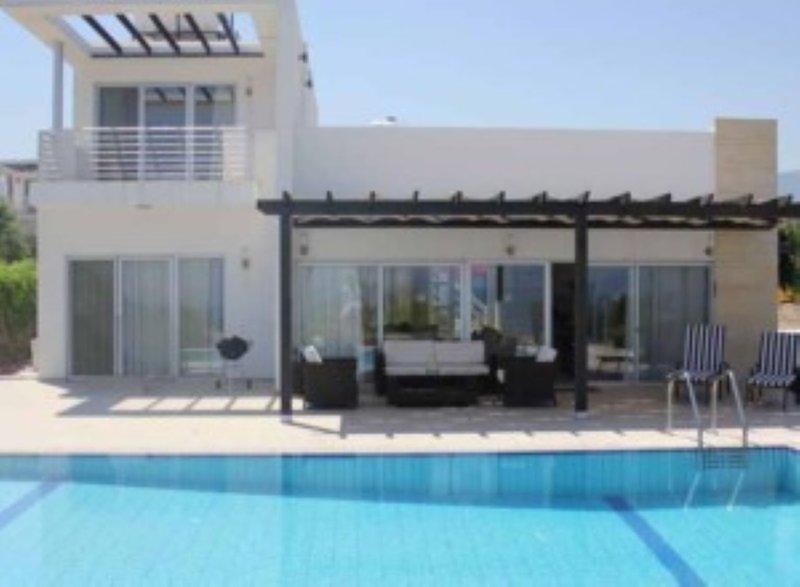 Turtle Bay 12  - Three Bedroom Villa, holiday rental in Agios Amvrosios