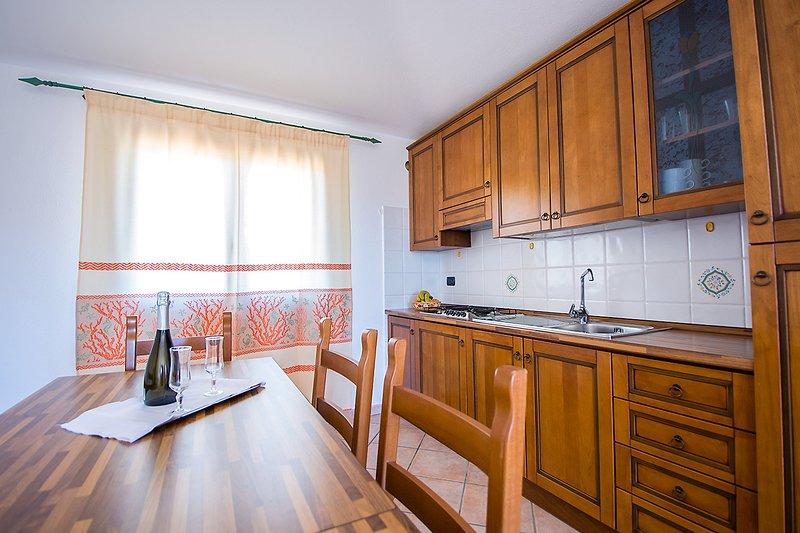 Appartamento bilocale 4 persone Residence Cala Viola, holiday rental in Cala Ginepro