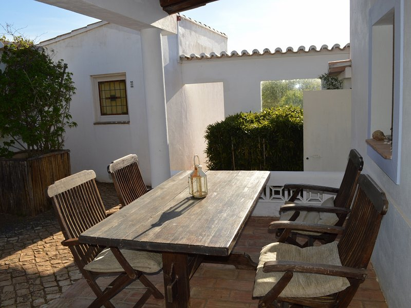 Monte Rosa rural guesthouse, a place to unwind (3), holiday rental in Barao de Sao Joao