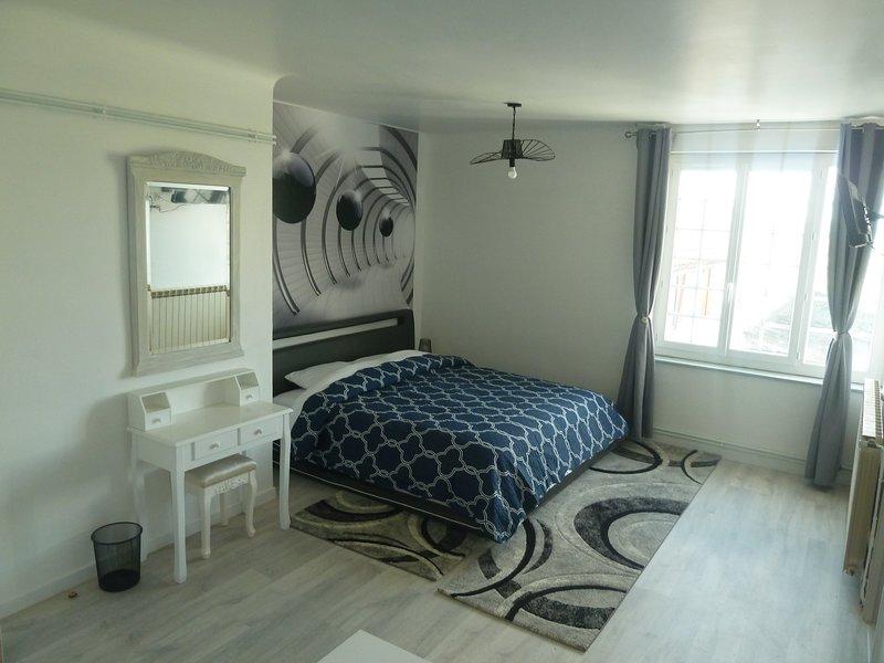 Chambre familiale vu jardin, vacation rental in Osserain-Rivareyte