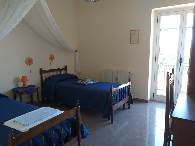 Bb Al tetto rosso Calabria, holiday rental in Fabrizio