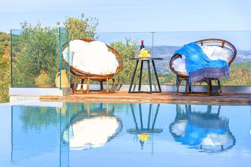 Villa Drakona Heated Pool, alquiler vacacional en Zourva