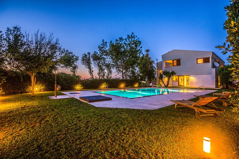 Villa Fiore Chania, location de vacances à Stalos