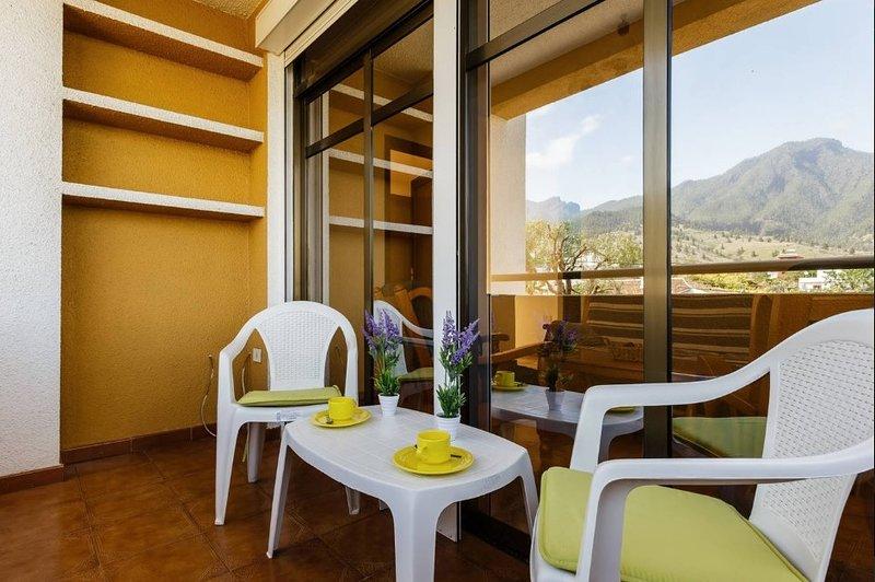 El Mirador de El Paso, wifi, jardines, vistas, barbacoa, muy buena ubicación, vacation rental in El Paso