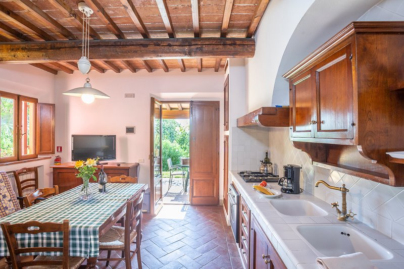 Two bedrooms apartment in agriturismo with pool - Tenuta Moriano, holiday rental in Trecento