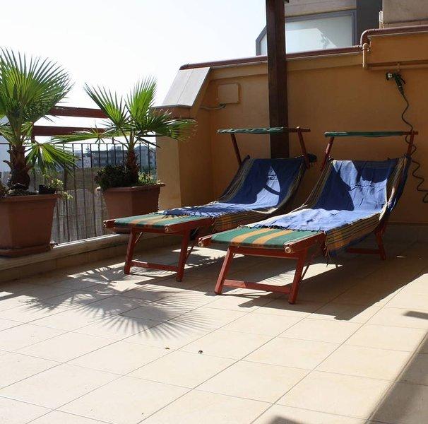 Nice apt near the beach & terrace, holiday rental in Trinitapoli