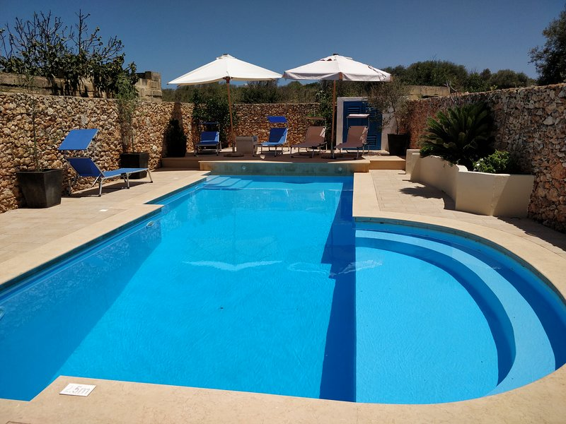 Qala farmhouse villa with pool Dar tal Genn, location de vacances à Île de Gozo