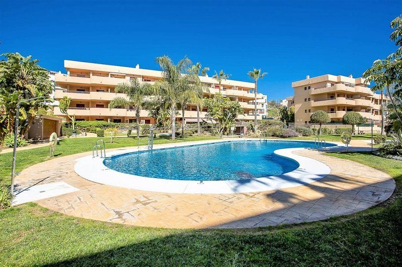 2 Bedroom Apartment, Cala Azul - La Cala 76588, holiday rental in La Cala de Mijas