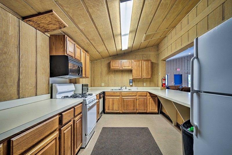 ¡También hay un área de cocina, perfecta para reuniones familiares!