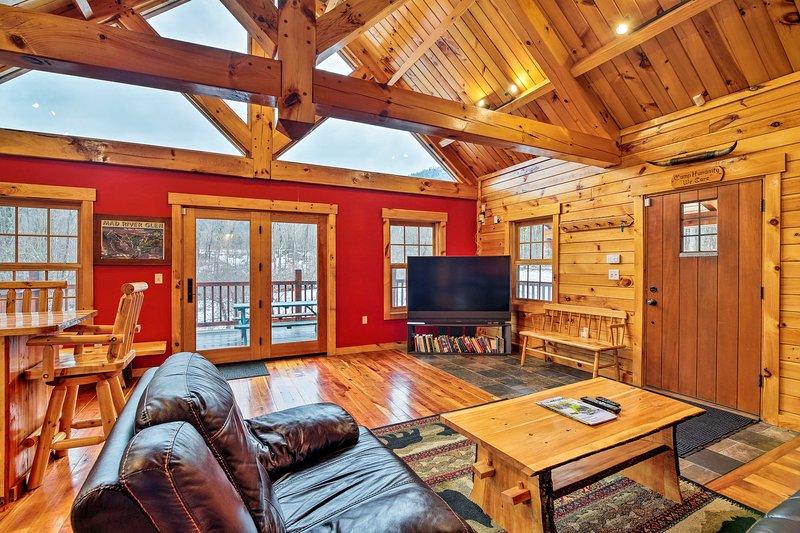 NEW! Ski Lodge/4-Season Mountain Retreat, alquiler de vacaciones en Hinesburg