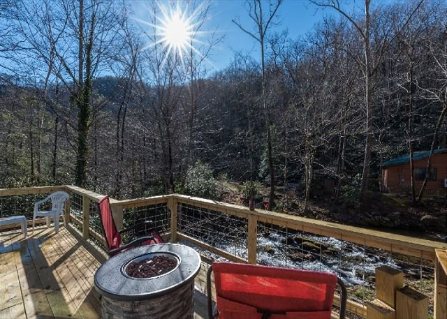 Hummingbird Inn | Beautiful home on Newberry Creek, casa vacanza a Old Fort