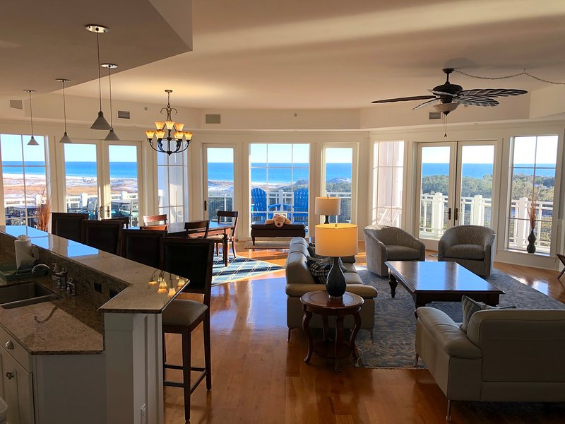 Breathtaking Panoramic Views * Balconies 3 sides * Watersound Direct Beachfront, holiday rental in Rosemary Beach