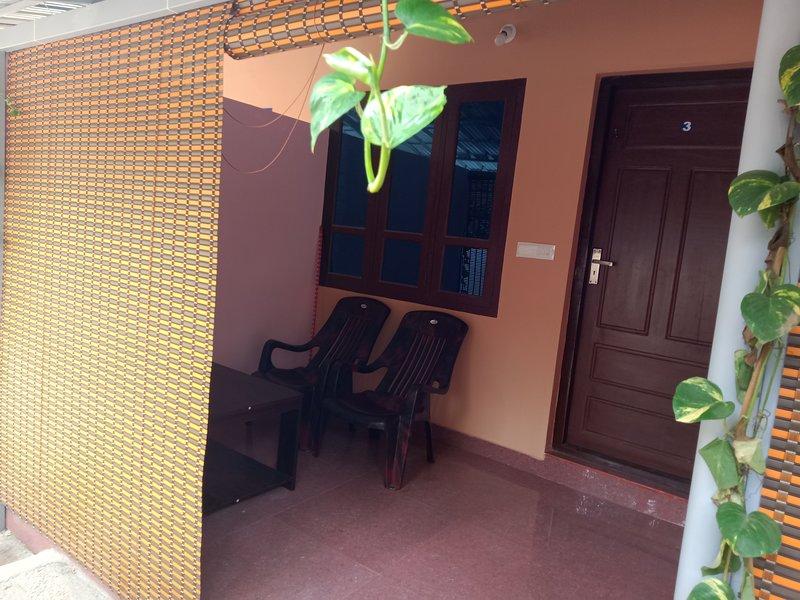 STUDIO WITH BALCONY, holiday rental in Varkala Town