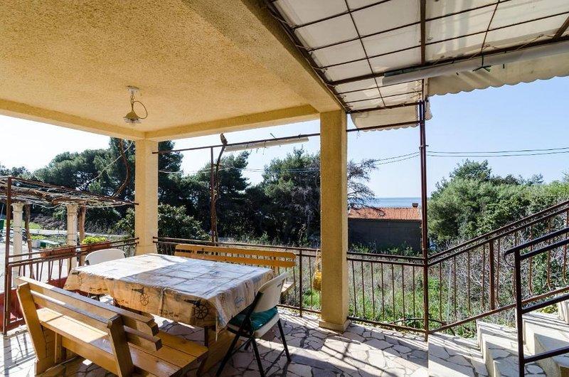 Borak Apartment Sleeps 3 - 5829019, vacation rental in Potomje