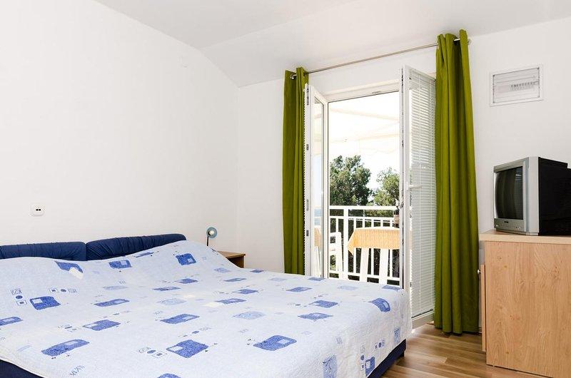 Borak Apartment Sleeps 3 - 5829017, vacation rental in Potomje