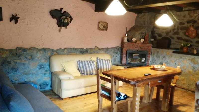 Nice chalet in Tozo & Wifi, holiday rental in Isoba