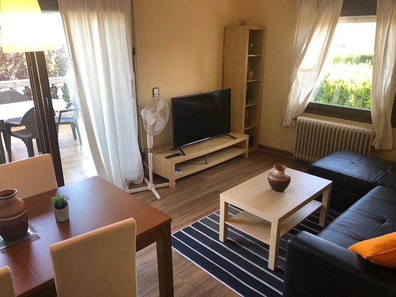 Apartamento de 3 dormitorios en Empuriabr, vacation rental in Empuriabrava