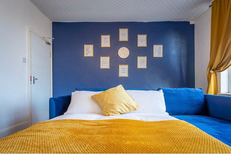 Velvet apartment, vacation rental in Wombourne
