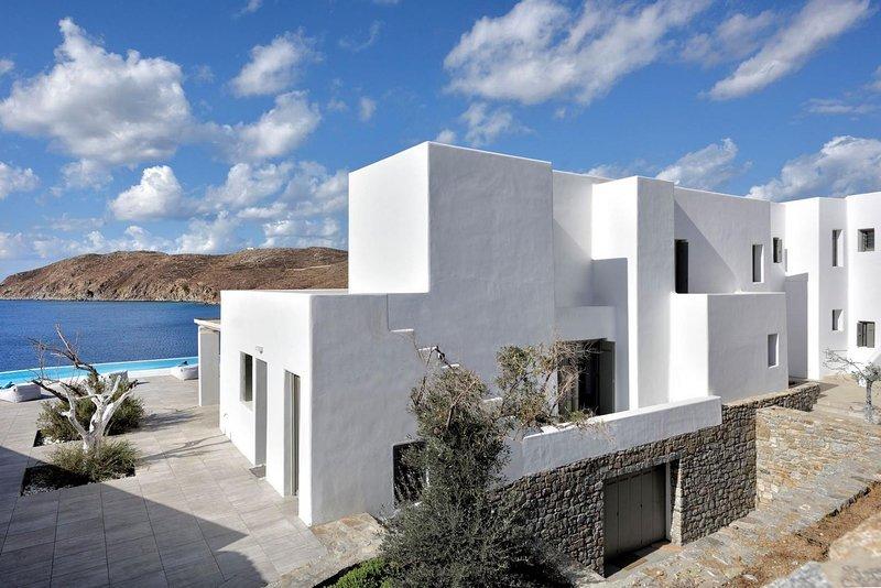 BlueVillas | Villa Aegean Resort | Heated infinity pool, jacuzzi & sauna, Ferienwohnung in Kalo Livadi