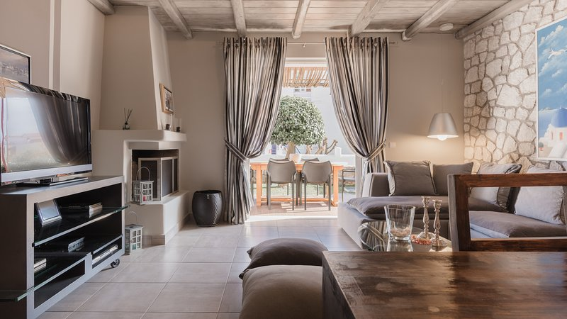 Villa Christina, holiday rental in Tyros