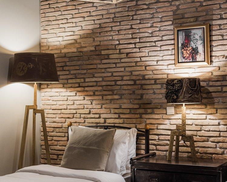 Twin Bedroom / Detail