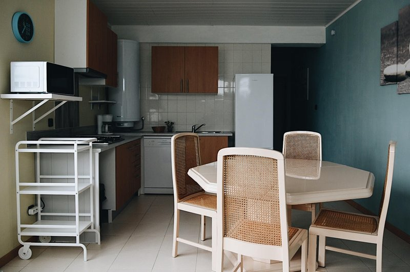 Amazing apartment near the beach, casa vacanza a Telheiro