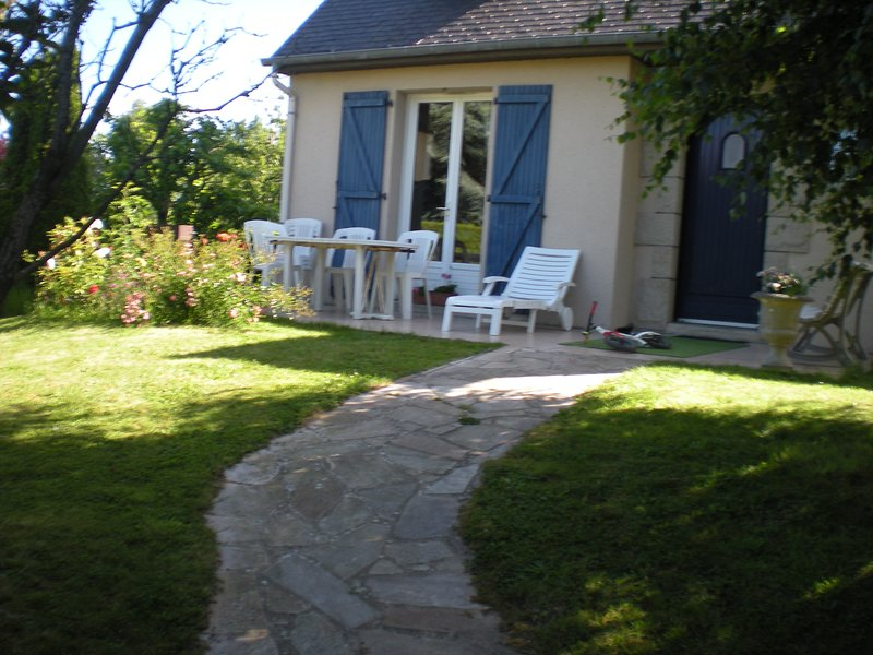 Spacious house with terrace & Wifi, vacation rental in Pleurtuit