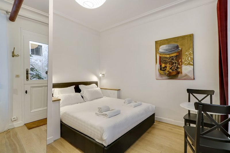 A Sweet Studio in Montparnasse, vacation rental in Paris