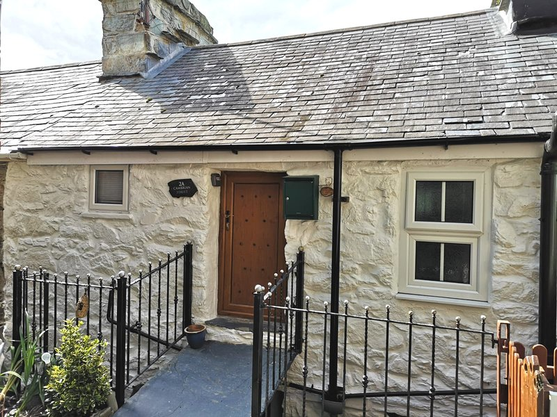2A Cambrian cottage, holiday rental in Barmouth