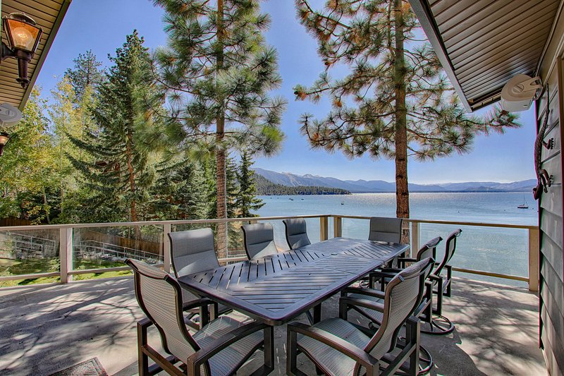Marla Bay Lakefront Escape + Concierge Services, location de vacances à Lake Tahoe