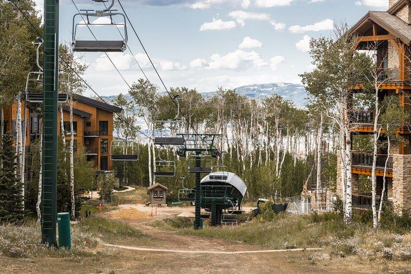 Arrowleaf 6 Ski Access