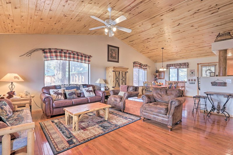 Prime Bison Ranch Cabin: Hike, Fish, Bike, Explore, holiday rental in Forest Lakes