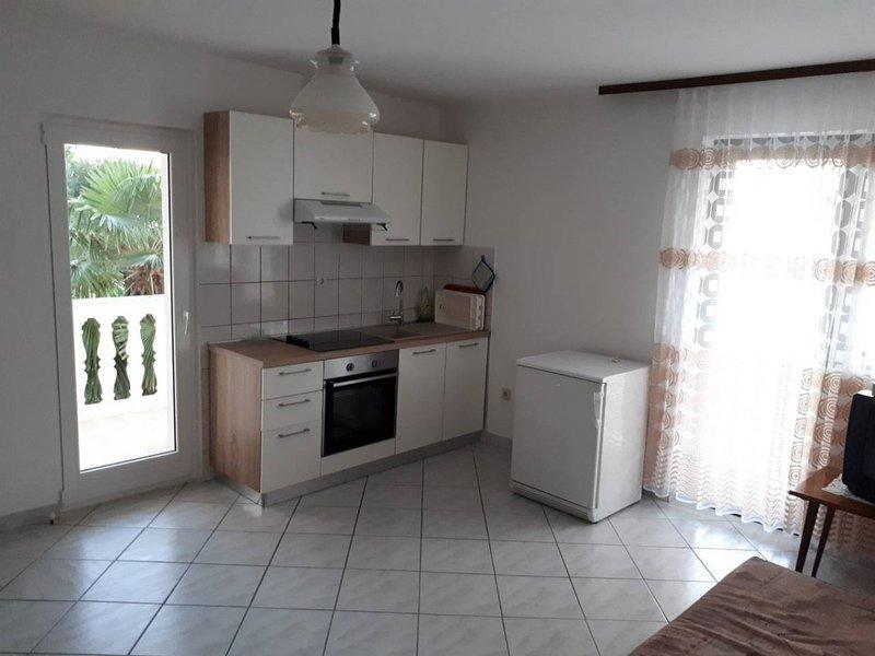Holiday home 100546 - Holiday apartment 604, location de vacances à Radici