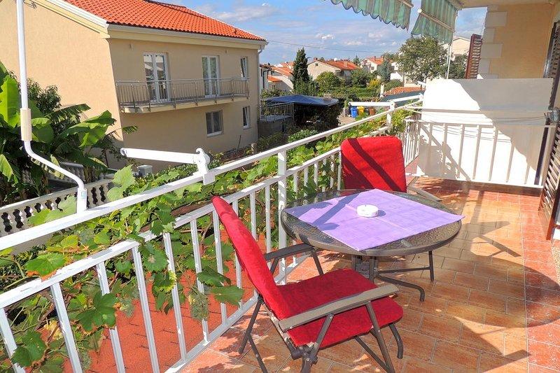 Holiday home 103456 - Holiday apartment 3529, location de vacances à Radici